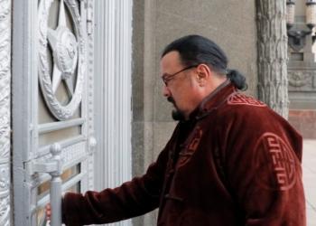 Американският актьор Стивън Сегал официално стана член на руска партия