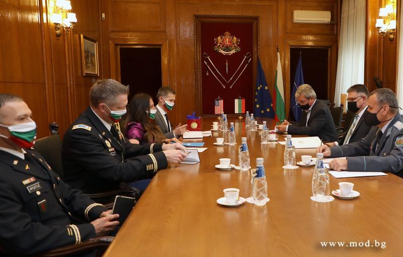 Министър Георги Панайотов се срещна с посланика на САЩ Херо Мустафа