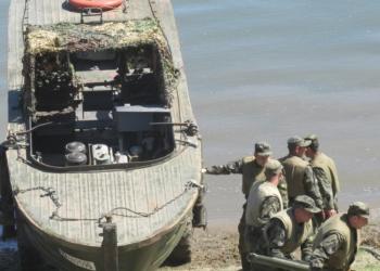 Водолази и понтонери спасяваха Белене от наводнение