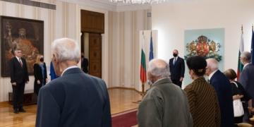 Държавният глава удостои Съюза на ветераните от войните на България с Почетен знак на Президента