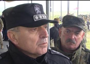 Началникът на отбраната адмирал Емил Ефтимов също коментира инцидента край село Чешнегирово. Спорел него явно се е получил срив в информацията.