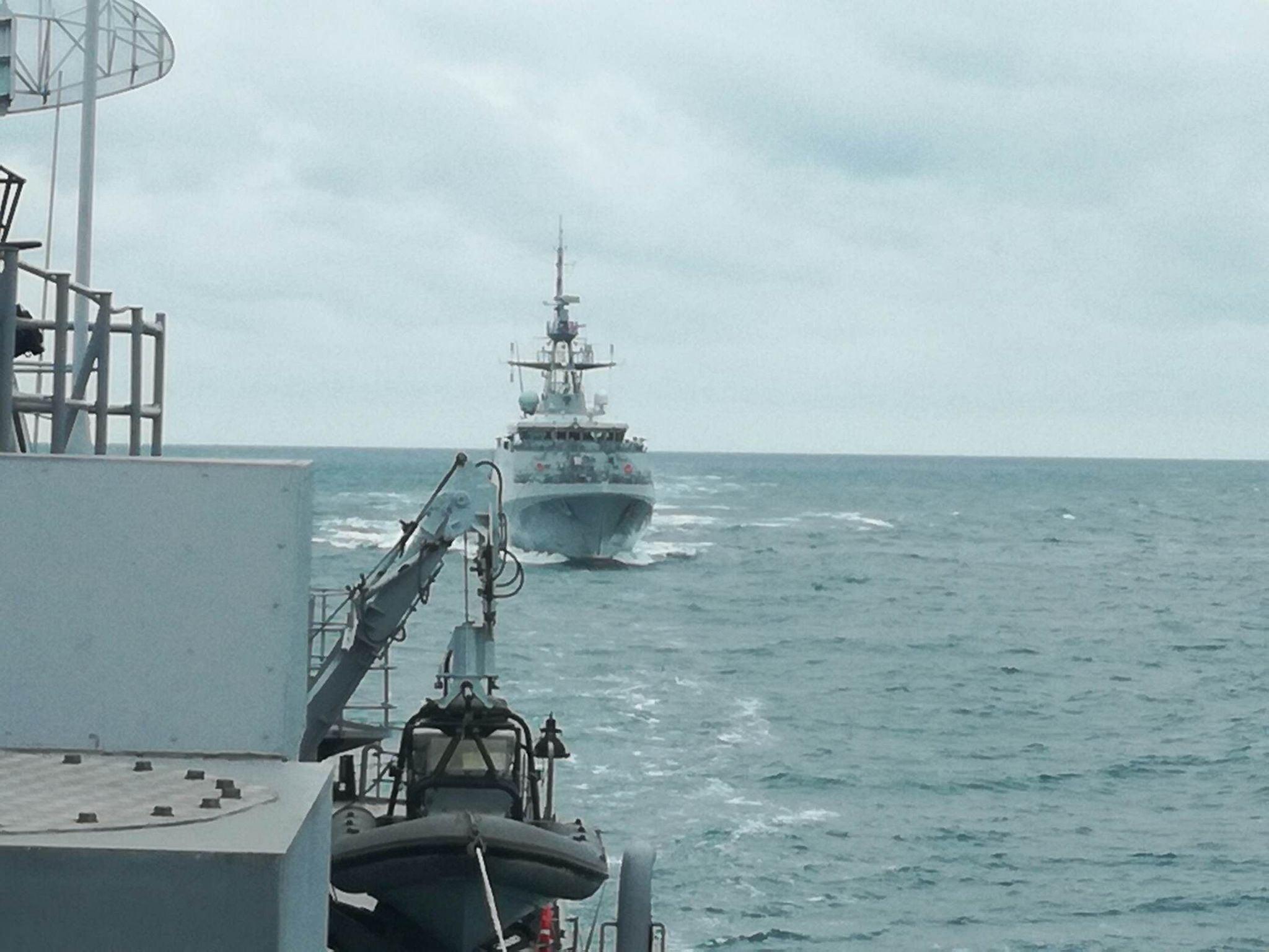 """Фрегата """"Горди"""" проведе съвместно учение """"PASSEX"""" с британски патрулен кораб"""