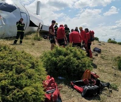 Мащабно учение за спасяване на пътници от паднал самолет с участието на военнослужещи от БА