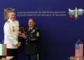 Началникът на отбраната адмирал Емил Ефтимов награди главния сержант на Сухопътния компонент на Националната гвардия на Тенеси Майкъл Джентри