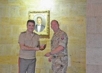 Командирът на Британския екип за обучение на военни съветници посети Националния военен университет