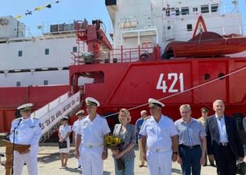Първият български военен научноизследователски кораб получи името на Светите братя Кирил и Методий