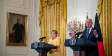 Последна визита на канцлера Ангела Меркел в Сащ