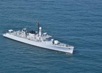 """Корабите, участващи в учението """"Бриз 2021"""", изпълняват планираните задачи на море"""