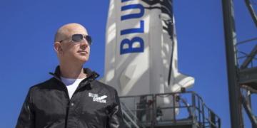 Безос предлага 2 милиарда долара на НАСА в замяна на договор за мисия до Луната