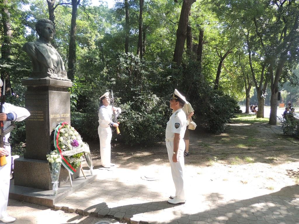 Военните моряци отбелязаха годишнината от рождението на Васил Левски