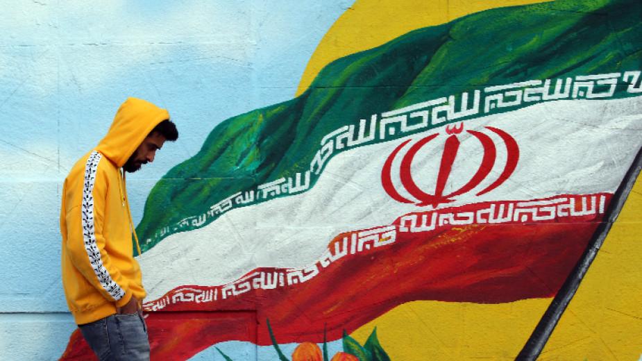 Иран започна двудневни военновъздушни учения с участието на армията и Революционната гвардия