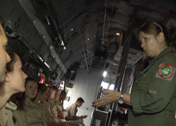 "Бъдещи военни лекари с първи полет на военен самолет посетиха авиобази ""Враждебна"", ""Граф Игнатиево"" и ""Крумово"""