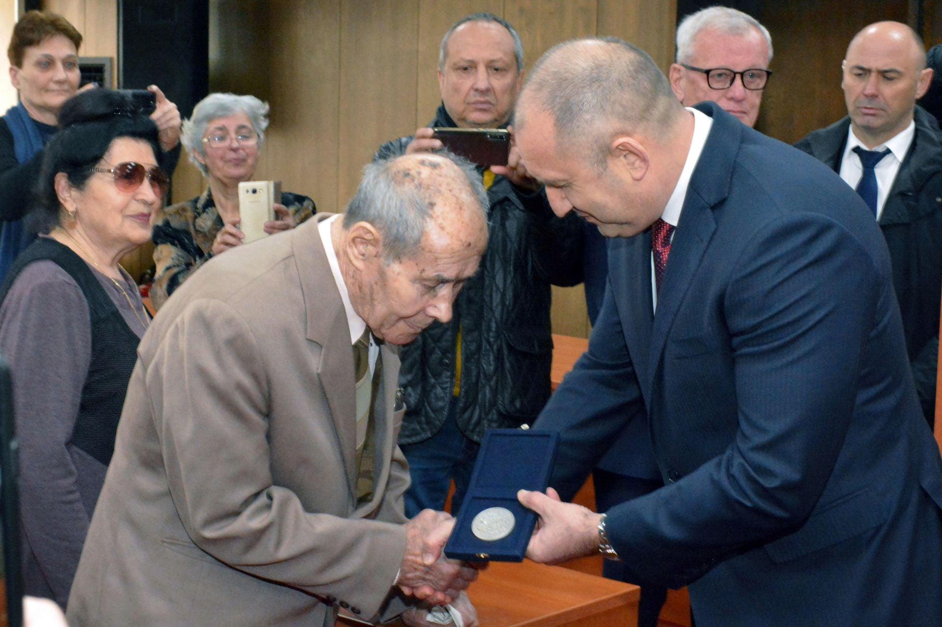 Завърши последният житейски полет на полковник Велико Пенчев