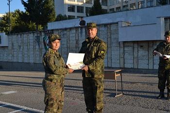 Началникът на НВУ награди двама курсанти