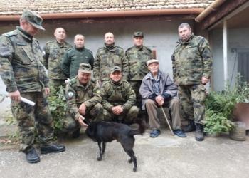 В област Шумен осигуряват ветерани от войната с дърва за зимата
