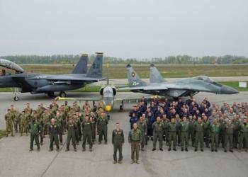 """Екипажи на F-15 e се пребазираха в авиобаза Граф Игнатиево за участие в българо-американската летателна тренировка """"Castle Forge 2021"""""""