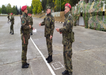 Връчиха удостоверенията на новоназначени войници
