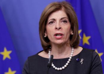 Еврокомисарят Стела Кириакиду подкрепя въвеждането на зелен сертификат в България, съобщиха от здравното министрество