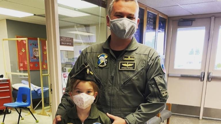 Майор Стоян Петков извърши първи самостоятелен полет на F-16