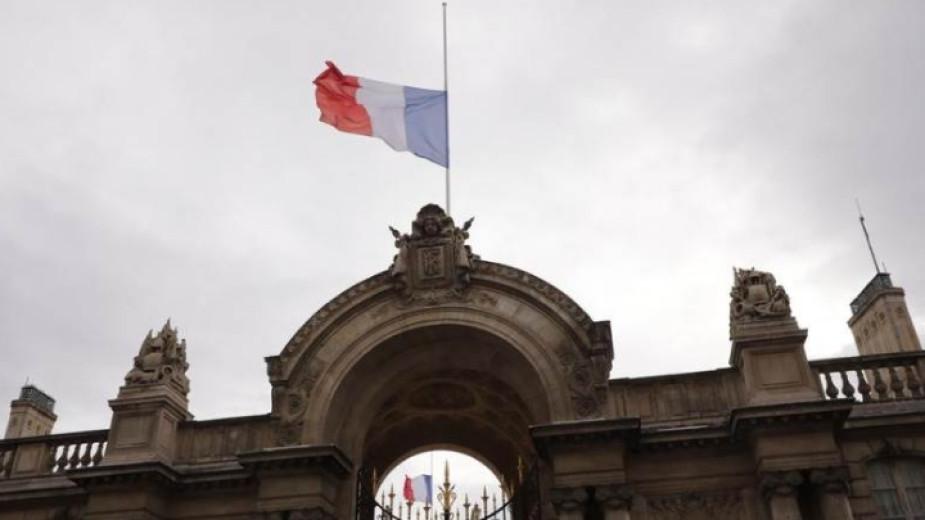 Френските власти взеха решение да затворят джамия, в която се легитимира въоръженият джихад