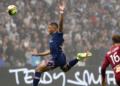 Отменени голове, червен картон и запалянко на терена на Марсилия - ПСЖ