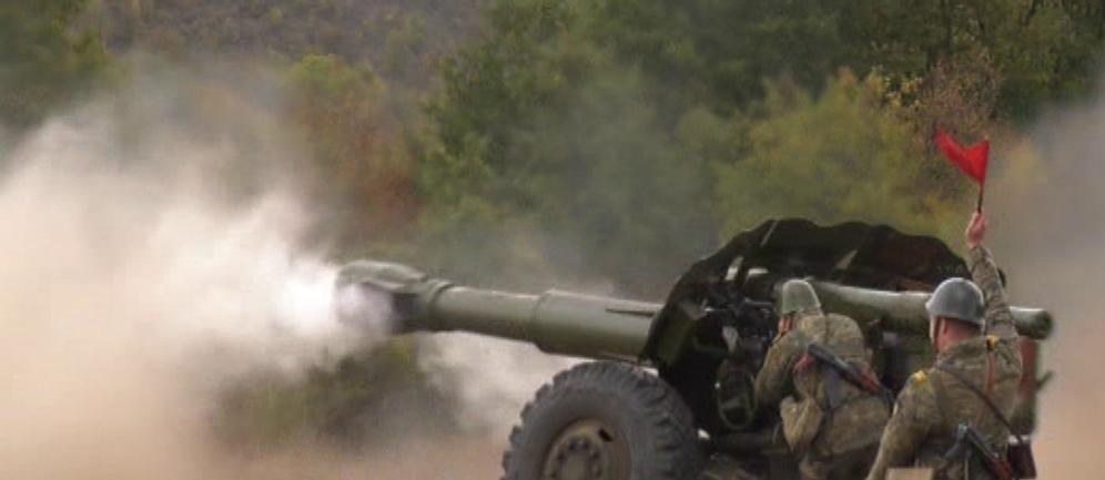 """Бойни стрелби на курсанти от НВУ на артилерийски полигон """"Марково"""" край Шумен"""